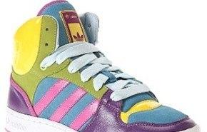 Zapatillas Adidas Game Mid, llena de colores afeminados