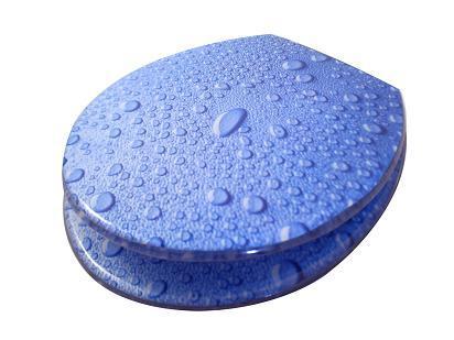 tapa de inodoro decorada con gotas de agua
